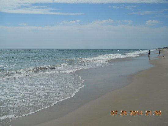Hampton Inn & Suites Outer Banks/ Corolla: beautiful beach