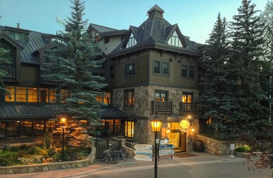 Vail Mountain Lodge: An exterior view