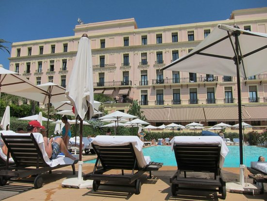 Hotel Royal-Riviera: View from Pool