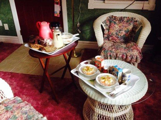 Andrea's Bed and Breakfast: Breakfast