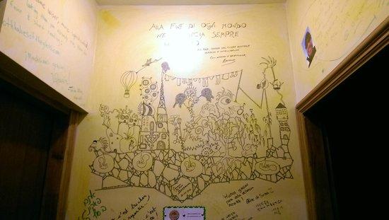 Cruz del Sur Independent Hostel: Deco+pasillo.-