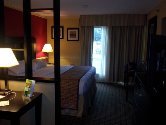 La Quinta Inn & Suites Atlanta Airport South: 8/8/14