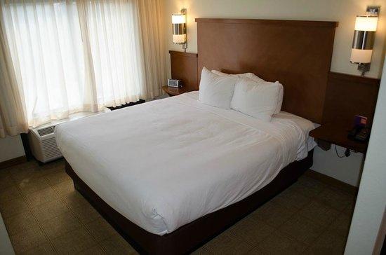 Hyatt Place Colorado Springs: Super soft bed