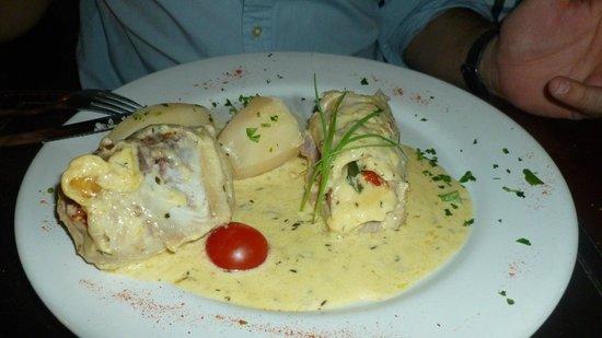 La Perdiz: No recuerdo el nombre del plato de mi esposo, pero era delicioso.