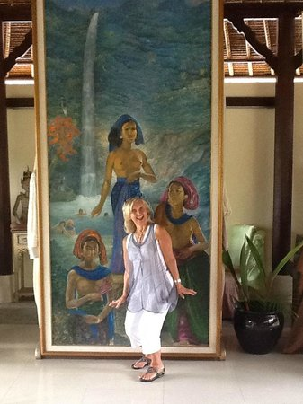 The Mansion Resort Hotel & Spa: Love these painting