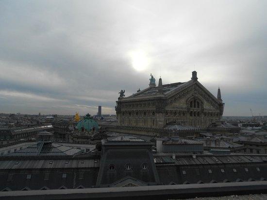 Opera district: Вид на Оперу в обзорной площадки в Ла Файет
