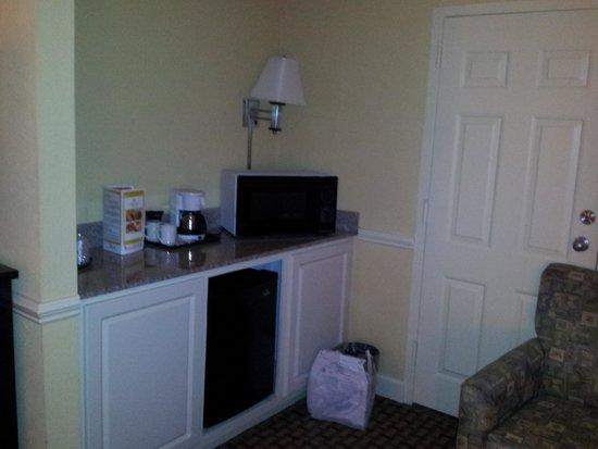 La Quinta Inn & Suites Atlanta Airport South: Counter area