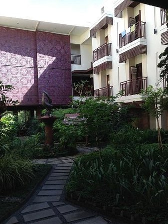 Luta Resort Toraja: courtyard
