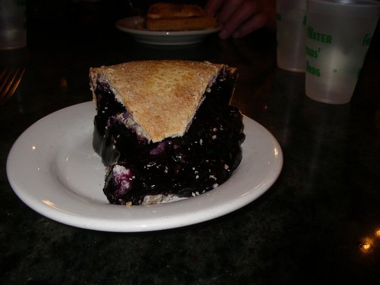 Wall Drug Store Cafe: Pie