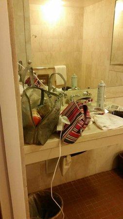 Bacara Resort & Spa: Very limited bathroom counter space.
