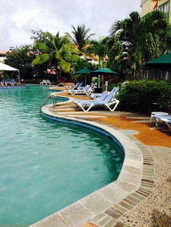 Coco Palm Resort : Pool side