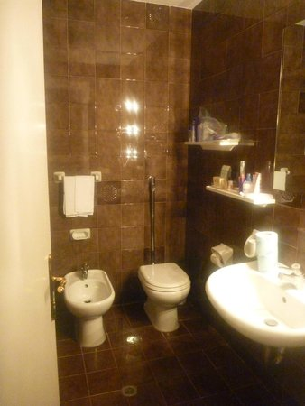 Excelsior Palace Hotel: Bathroom