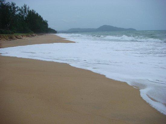 Renaissance Phuket Resort & Spa: Beach