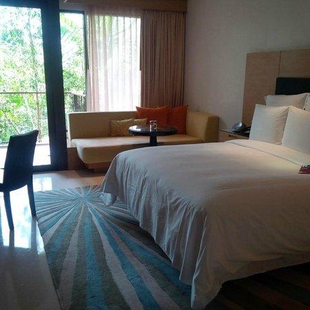 Renaissance Phuket Resort & Spa: Room