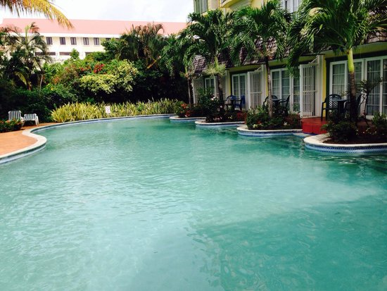 Coco Palm Resort: Pool side rooms were lovely !