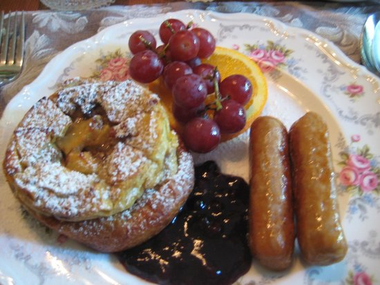 Albion Manor Bed and Breakfast: Delicious Breakfast