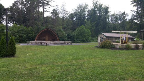 Twin Grove RV Resort & Cottages (c) Kat Mahoney