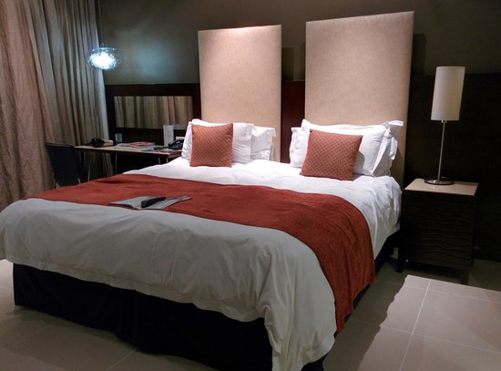Protea Hotel by Marriott Transit: The Room