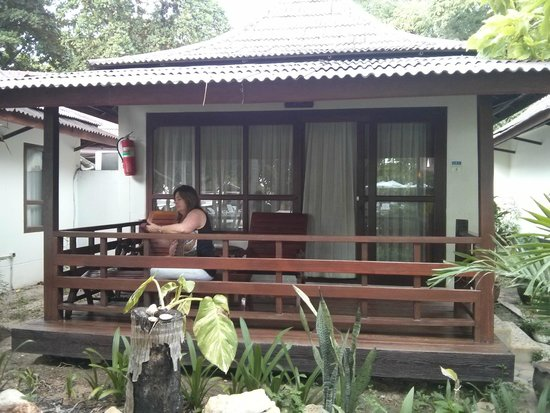 Chaweng Buri Resort: View of Outside Room