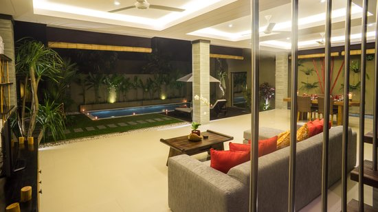 The Kumpi Villas: living room