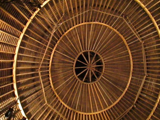 The Round Barn Theatre at Amish Acres: The roof of the Round Barn Theater, Amish Acres, Nappanee, IN