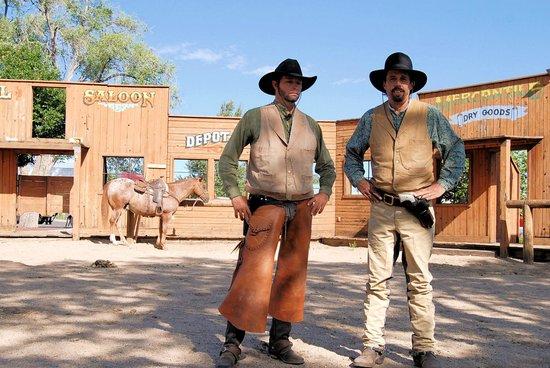Grand Canyon Railway: Wild West show