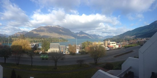 Copthorne Hotel & Apartments Queenstown Lakeview: View from balcony