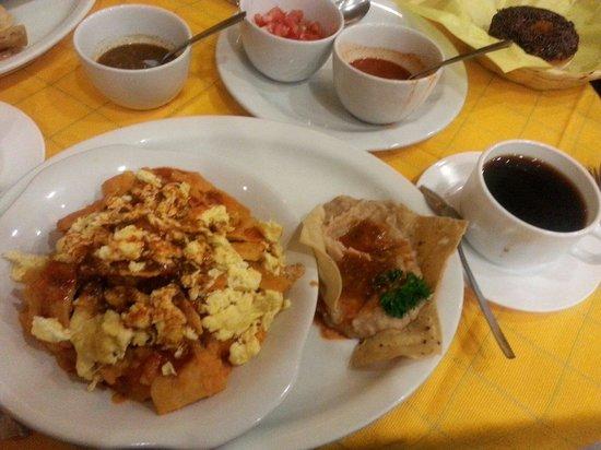 La Chata de Guadalajara : Chilaquiles de huevo