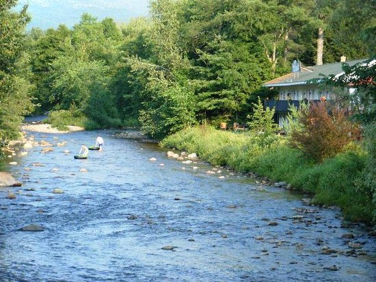 Hillwinds Lodge: Tubing