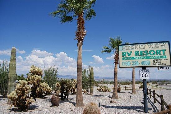 Desert View RV Resort: lovely entrance