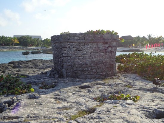 Grand Sirenis Riviera Maya Resort & Spa : Ruinas en el hotel