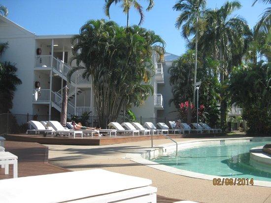 QT Port Douglas: Around the pool