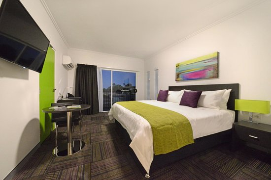 Mackay Oceanside Central Hotel