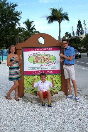 The Ringling Beach House - A Siesta Key Suites Property: Kids loved it here