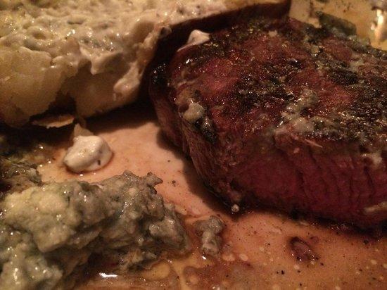Weber Holzkohlegrill Steak Grillen : Grillen mit gas argentinisches angus roastbeef rezepte