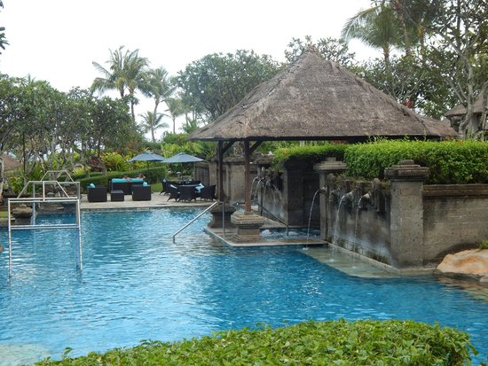 Pan Pacific Nirwana Bali Resort: Pool area hut
