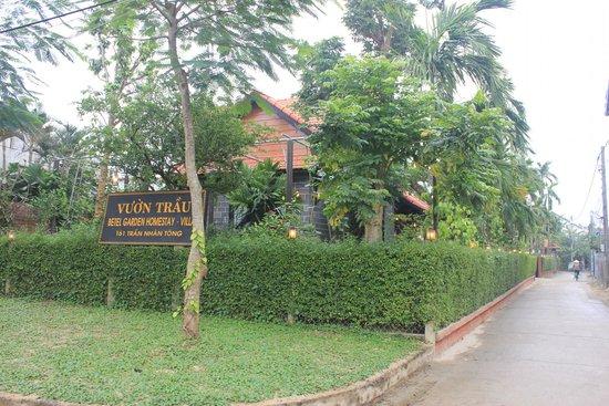 Betel Garden Villas: ben ngoai