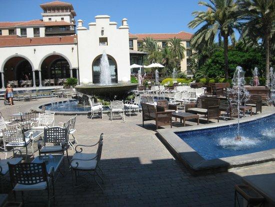Lopesan Costa Meloneras Resort, Spa & Casino : Poollandschaft