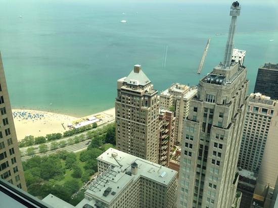Four Seasons Hotel Chicago : view from the 45th floor room