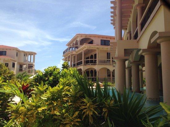 Coco Beach Resort: Paradise in San Pedro!