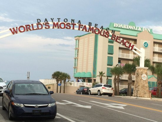 Boardwalk Inn and Suites : Good location