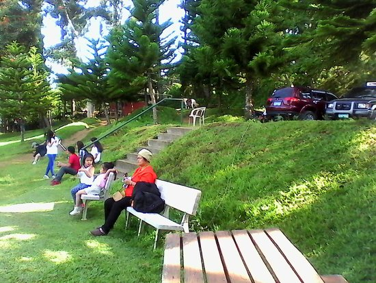 Eden Nature Park & Resort: Families having a day out