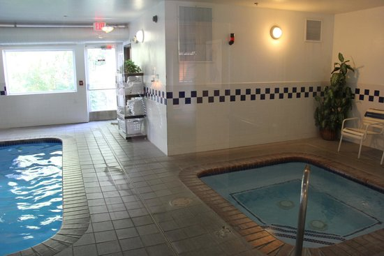 Comfort Inn: pool and jacuzzi