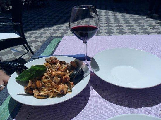 Bocciola : Food & Wine