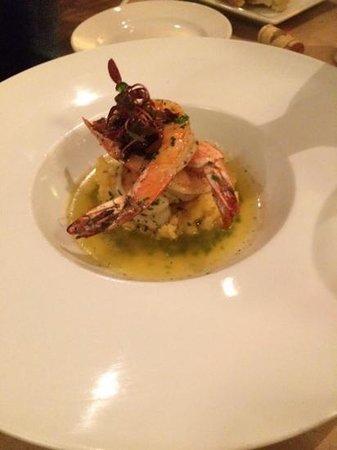Brix Restaurant and Wine Bar: shrimps and grint