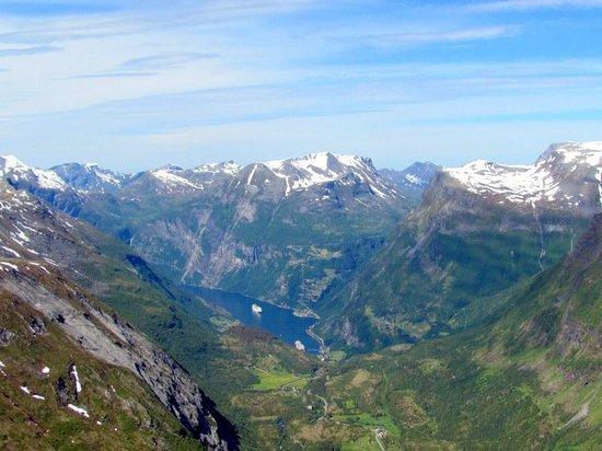 Geiranger Fjord : Vue du mont Dalnisbba