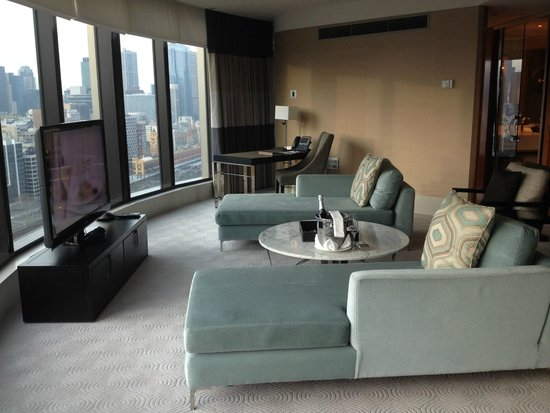 Crown Towers: Premier Suite lounge area