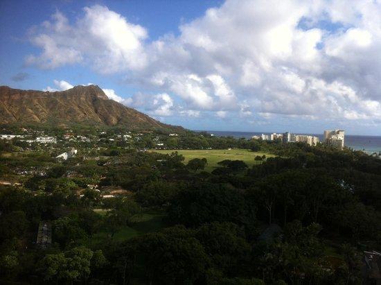 Queen Kapiolani Hotel : View from Diamond Head View Room