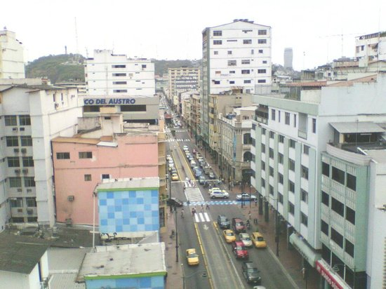 Casa de Romero : Vista desde la Habitación hacia el Centro de Guayaquil, al fondo el Cerro Santa Ana