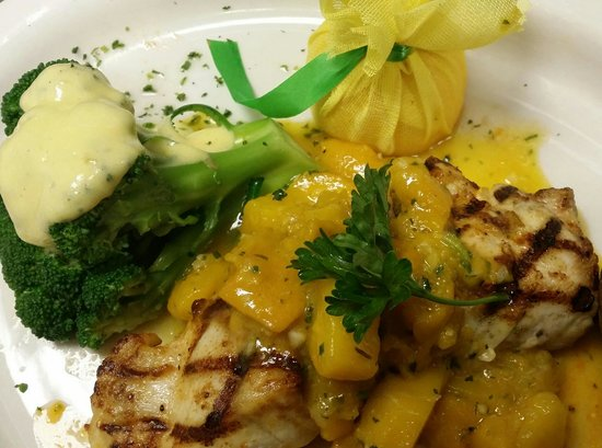 Courtney's Continental Cuisine: Grilled grouper with a mango beurre blanc.